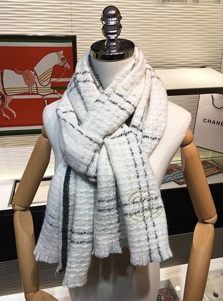 Chanel香奈儿秋冬编织格纹金银丝交错长围巾/黑/白色