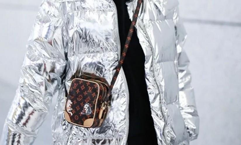 唐嫣身穿银色羽绒出现机场,搭配的同款LV包包有没有a货买?