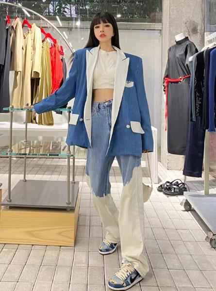 ANN DEMEULEMEESTER 2020秋冬新款蓝白拼色阔脚牛仔裤